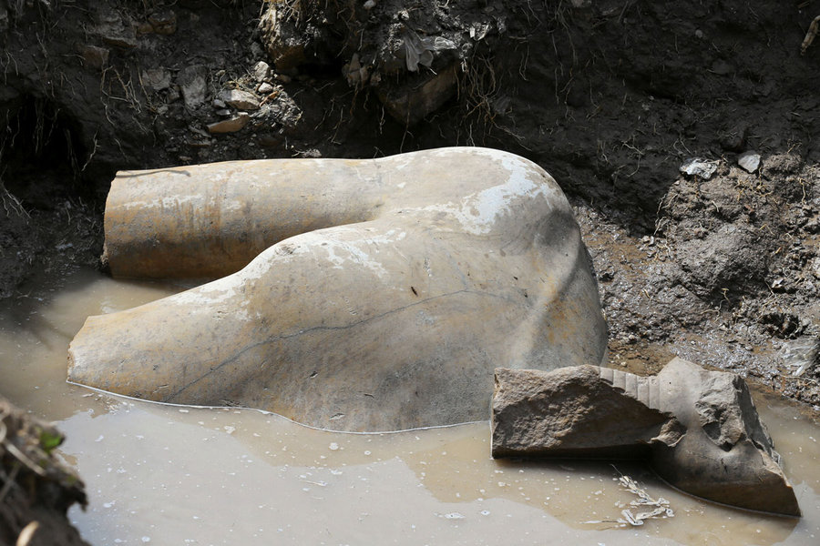 A Buried Treasure: Experts Uncover a Huge Statue of an Ancient Egyptian King