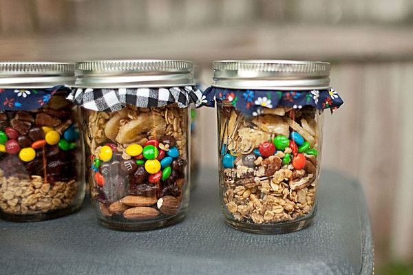 trail-mix-party-favours