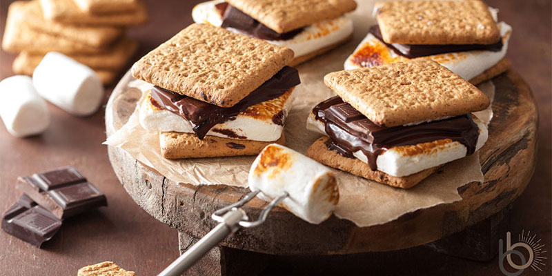 s'mores, food, dessert, camping, sweet treats